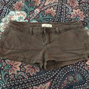 Hollister size 5 brown shorts